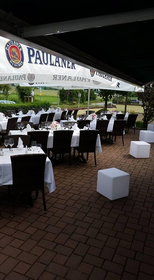 Hochzeit Im Restaurant Walldorf Terrasse Feierlich Gedeckte Tische